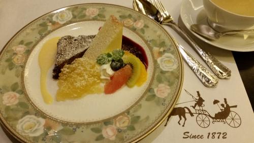 上野の洋食屋さんで...