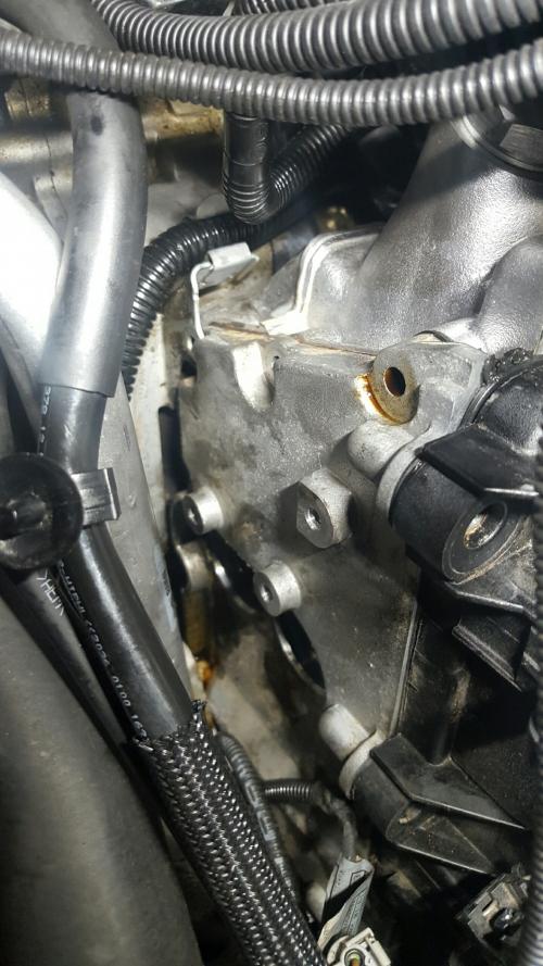BMW  E61チェーンカバーオイル漏れ修理