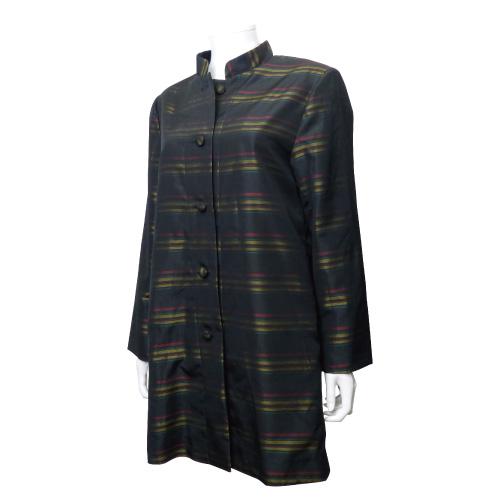 着物からリメイクしたスタンドカラーコート
