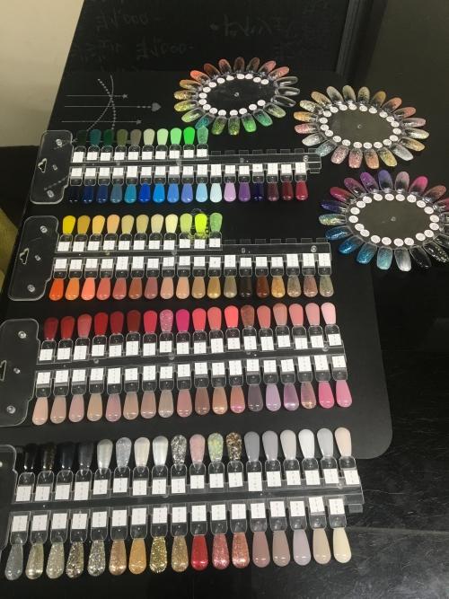 ジェルネイル選べる120色以上有ります!