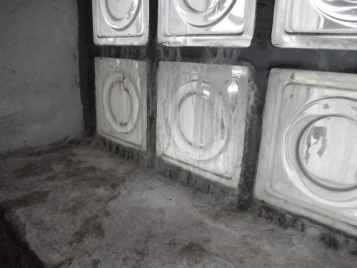 練馬区でガラスブロックからの雨漏り状況を確認してきました!