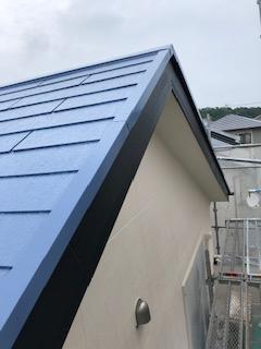 本日屋根コロニアル遮熱塗装工事が完了致しました