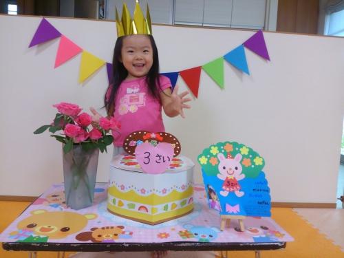 ハッピーバースデー!託児所で9月生まれのお祝いをしました